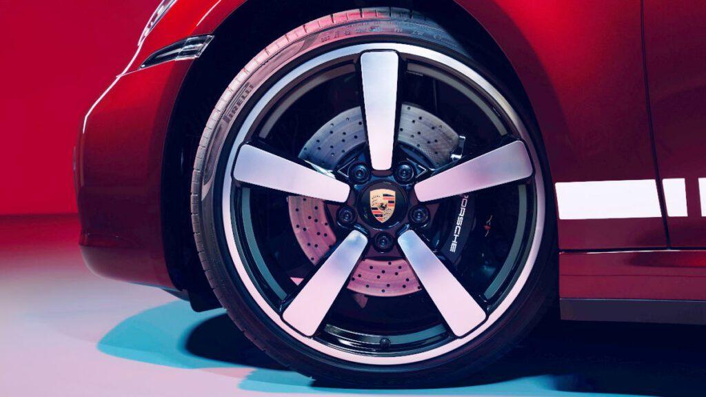 CaymanHQ - Porsche Wheel Center Cap Alignment